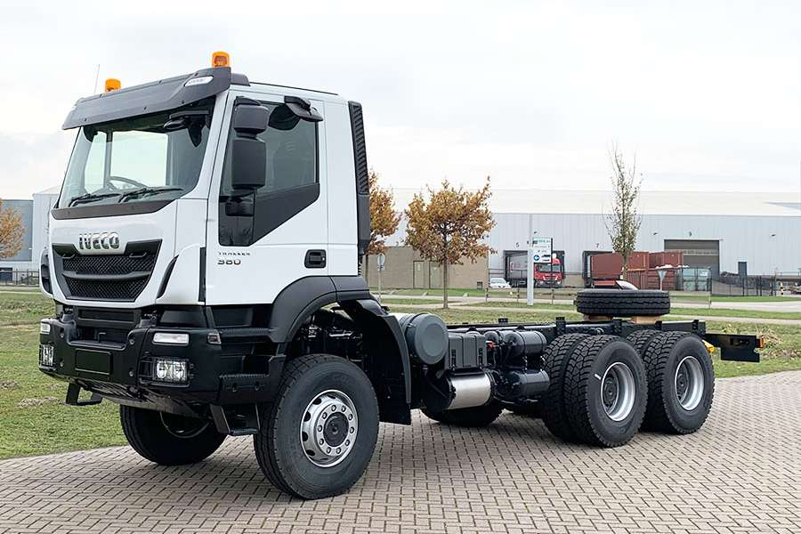 Iveco Trakker AD380T38WH-3820 AT