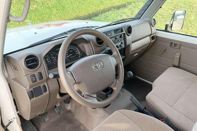 Toyota Land Cruiser VDJ78L